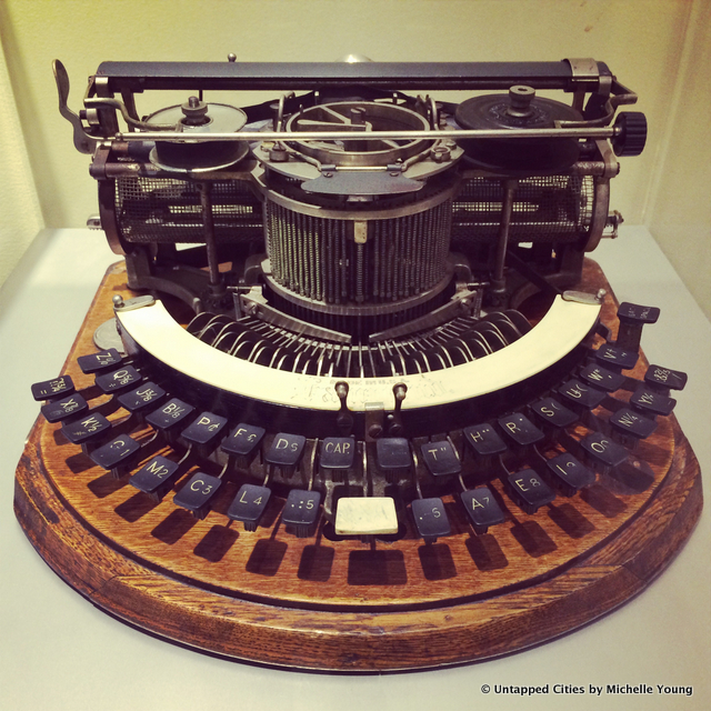 Vintage Antique Typewriters-CUNY Graduate School of Journalism-40th Street-NYC-Robert E. Dallos LA Times-009